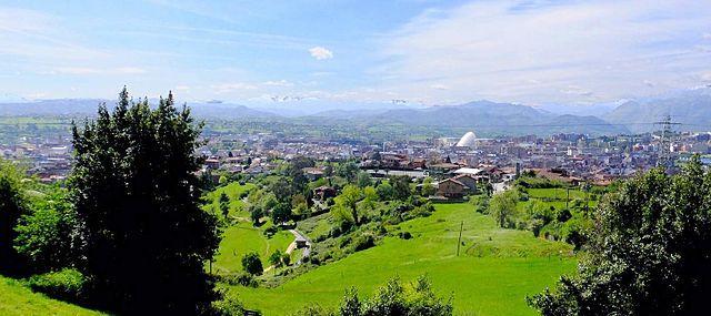 Oviedo desde el monte Naranco