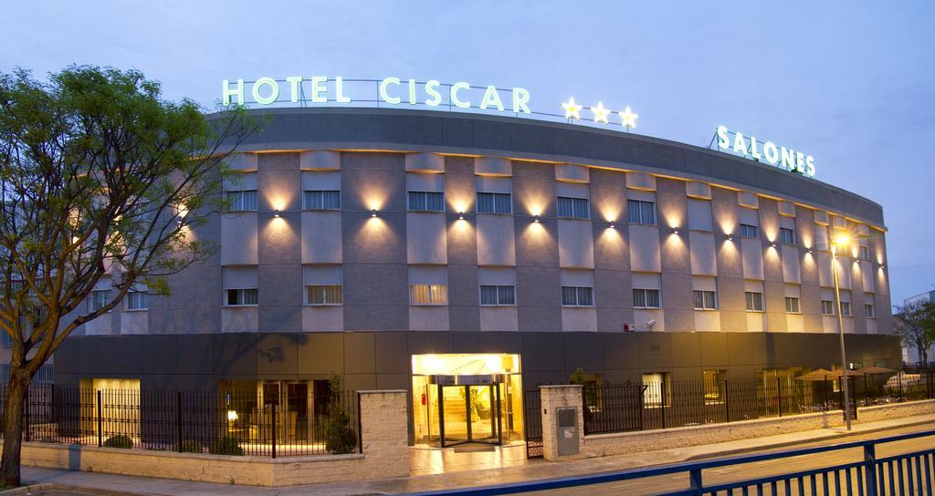 Fachada del hotel Ciscar adaptado en Valencia