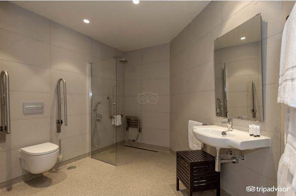 Apartamentos adaptados eric vokel Madrid aseo