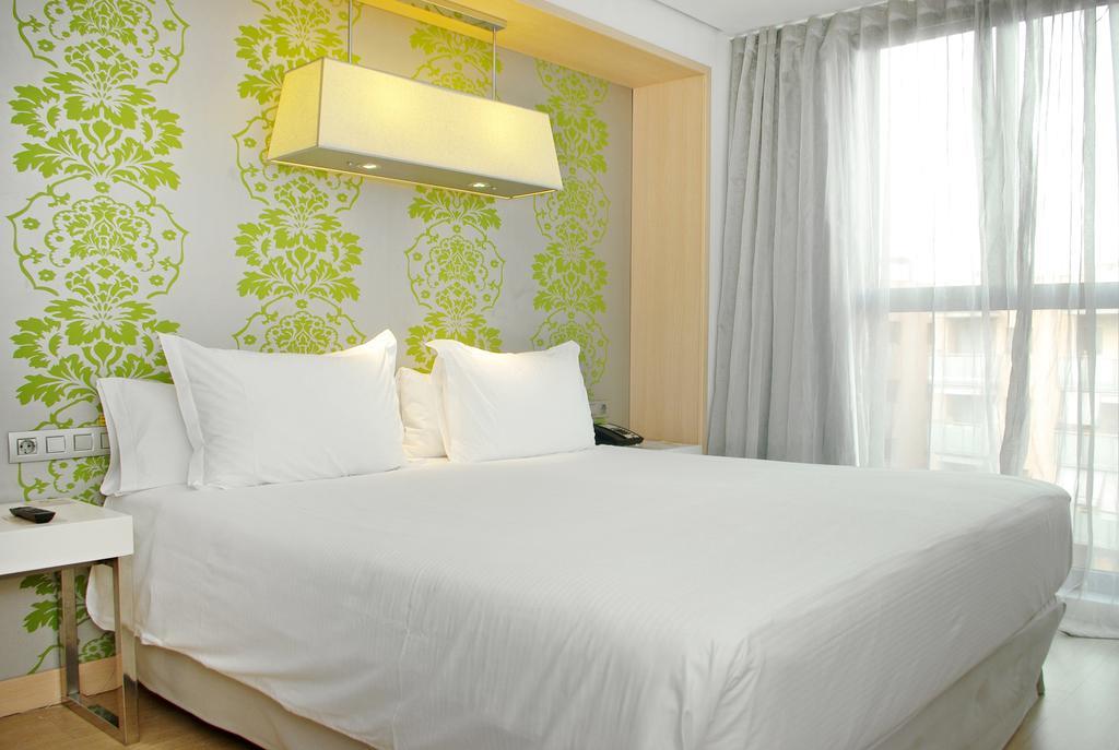 Hotel accesible Hilton Girona habitación